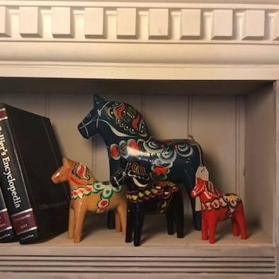 4 Dala horses